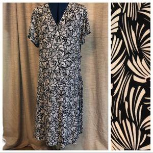 En Focus | Black & White Print Dress 18w